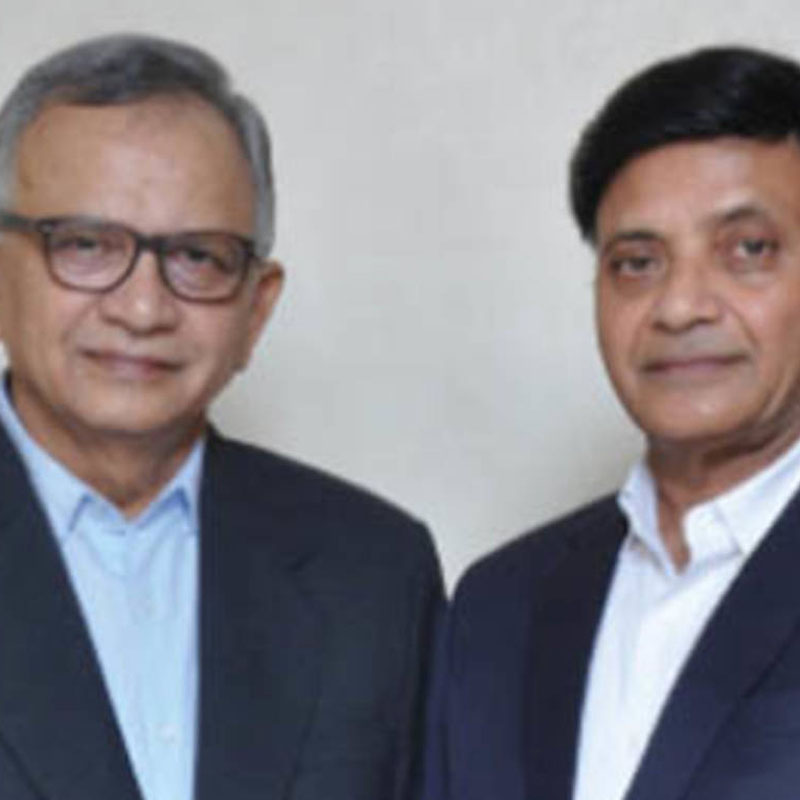 Dhirubhai Shah with Arvind Shah: ready for the next leap
